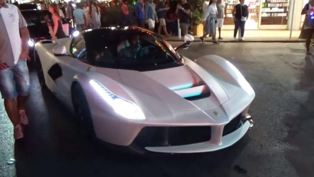 Hoàng tử Qatar lái siêu xe Ferrari LaFerrari trắng muốt gây chú ý