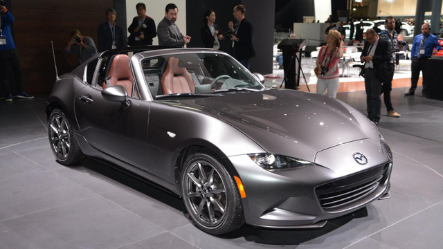 "Mazda MX-5 RF ""học lỏm"" theo Porsche 911 Targa"