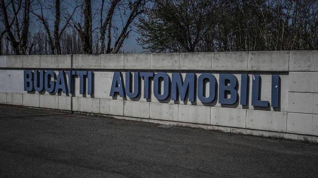 Ghé thăm nhà máy bị bỏ hoang của hãng siêu xe Bugatti