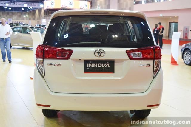 Động cơ này cũng được dùng cho Toyota Innova Crysta tại thị trường Ấn Độ. Sức mạnh được truyền tới bánh thông qua hộp số tự động 6 cấp. Tại Trung Đông, Toyota Innova Crysta không có tùy chọn máy dầu và hộp số sàn 5 cấp như xe ở Ấn Độ.