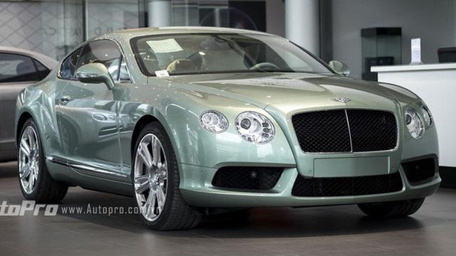 Chạy thuế, Bentley Continental GT V8 vào Sài Gòn tìm khách