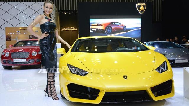 """Gian hàng Lamborghini chói lóa tại VIMS 2016 với bộ 3 """"thần tài"""" Huracan"""