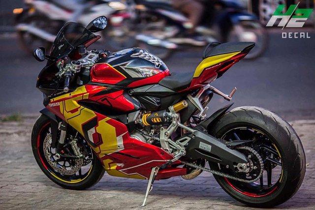 Ducati 959 Panigale khoác áo Iron Man của nữ biker 9X Sài thành - Ảnh 6.