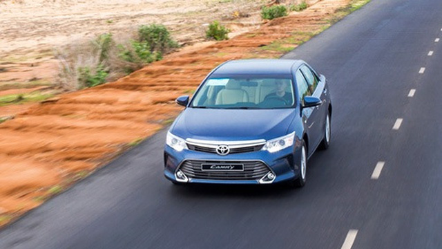 Triệu hồi hơn 2.000 xe Toyota Camry E tại thị trường Việt Nam