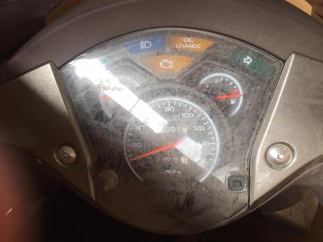 Chiếc Honda SH150i Ý được cho là chưa từng đổ xăng lăn bánh.