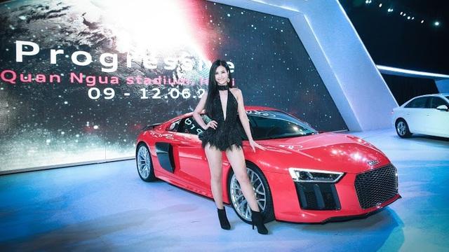 Đông Nhi sexy, Noo Phước Thịnh lịch lãm tại Audi Progressive 2016
