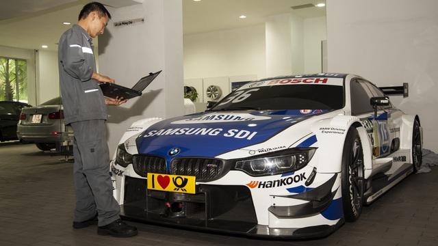 Cận cảnh xe đua BMW M4 DTM sẽ xuất hiện tại VIMS 2016