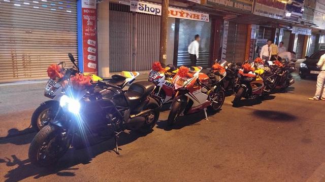 """Kawasaki H2 cùng dàn mô tô """"khủng"""" rước dâu tại Cà Mau"""
