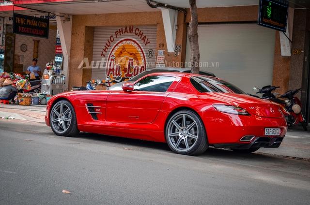 Mercedes-Benz SLS AMG 11,8 tỷ Đồng của tay chơi Bình Định tái xuất trên phố Sài thành - Ảnh 16.