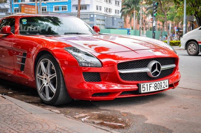 Mercedes-Benz SLS AMG 11,8 tỷ Đồng của tay chơi Bình Định tái xuất trên phố Sài thành - Ảnh 10.