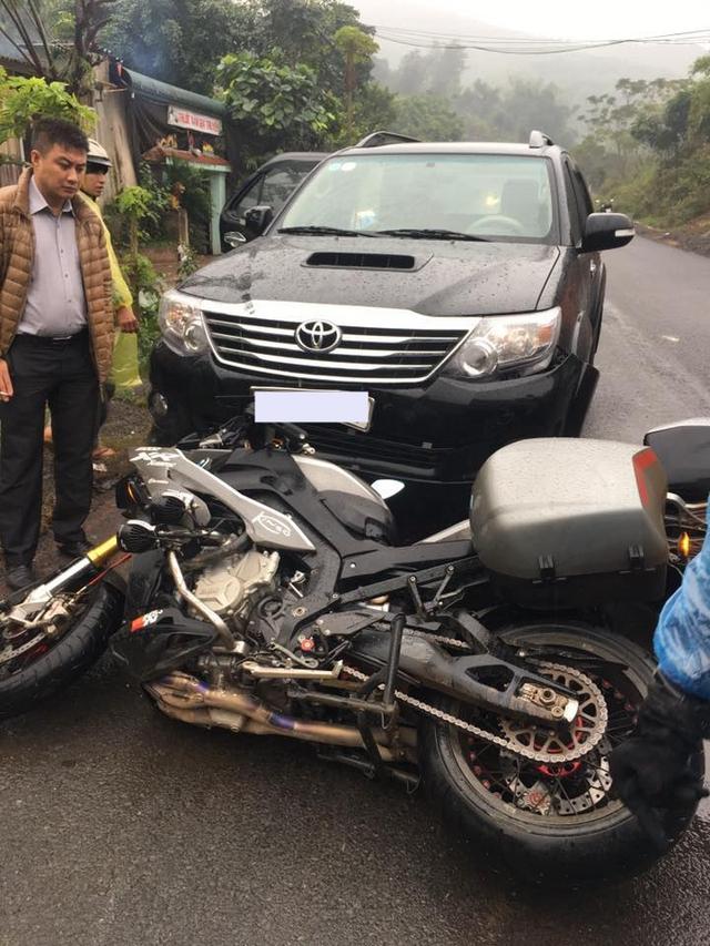 Hòa Bình: Biker gặp nạn khi đi phượt cùng BMW S1000XR - Ảnh 2.