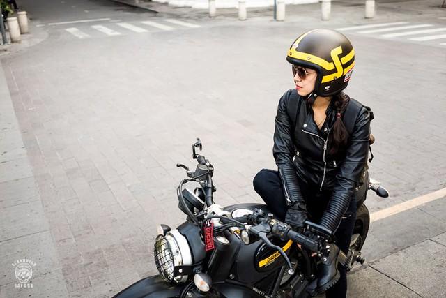 Nữ biker khiến nhiều người phải ngước nhìn khi nài Ducati Scrambler trên đường Sài Gòn - Ảnh 3.