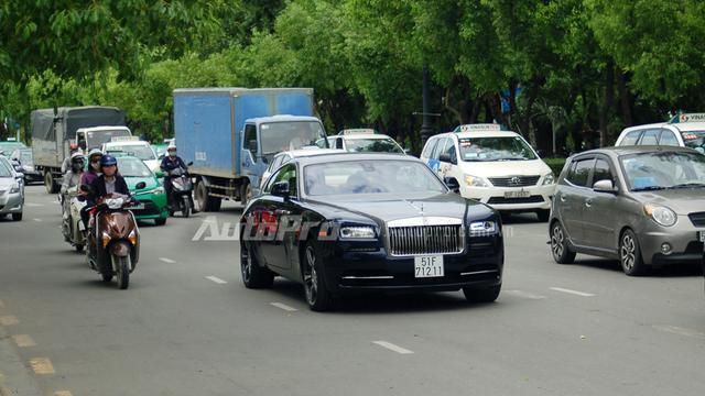 Phan Thành vừa tậu Rolls-Royce Wraith đã đăng ký biển trắng