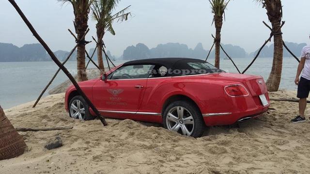 Quảng Ninh: Nghịch cát, xe Bentley mui trần 12 tỷ Đồng gặp nạn