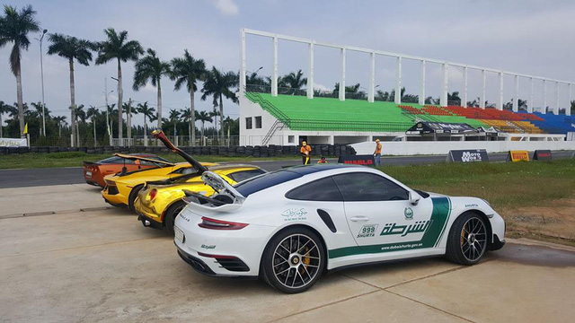Dàn siêu xe Việt đua drag 400m tại trường đua Happy Land - Ảnh 1.