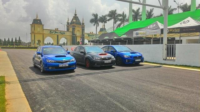"""Xem Cường Đô-la """"dợt"""" Subaru WRX STI tại trường đua"""