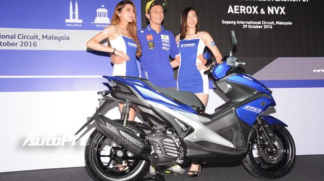 Valentino Rossi vén màn xe ga Yamaha NVX 155 thay thế Nouvo