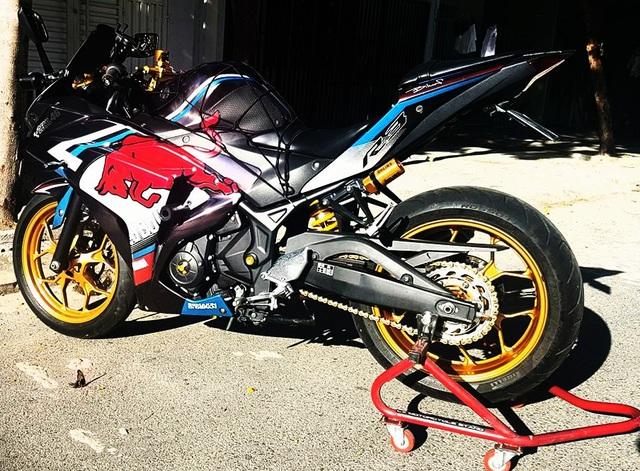 """Yamaha R3 độ phong cách """"bò húc"""" của biker Đà Nẵng"""
