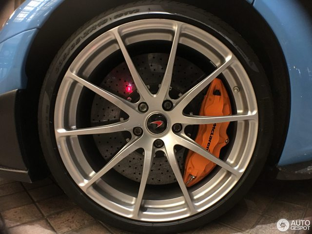 Bắt gặp siêu xe McLaren 675LT của fan cuồng Doreamon - Ảnh 8.