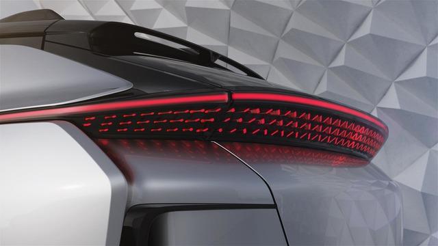 Faraday Future FF 91 - Crossover 1.050 mã lực, ra đời để vùi dập Tesla Model X - Ảnh 6.