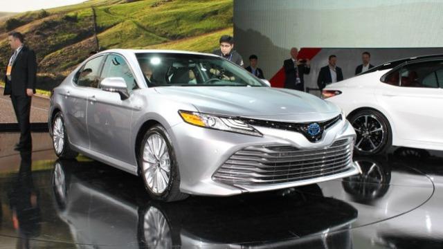 Toyota Camry 2018: Lột xác về thiết kế từ trong ra ngoài, thêm động cơ mới - Ảnh 6.