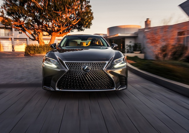 Lexus LS 2018 trình làng, Mercedes-Benz S-Class hãy coi chừng! - Ảnh 4.