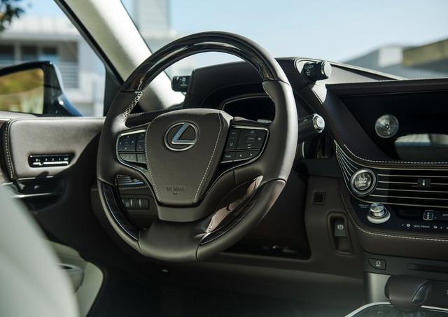 Lexus LS 2018 trình làng, Mercedes-Benz S-Class hãy coi chừng! - Ảnh 18.