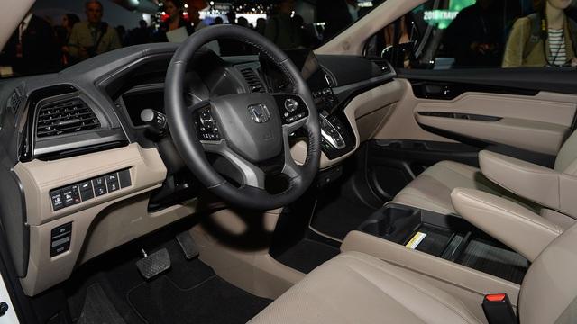 Honda Odyssey 2018 với thiết kế khác xe ở Việt Nam chính thức được vén màn - Ảnh 9.