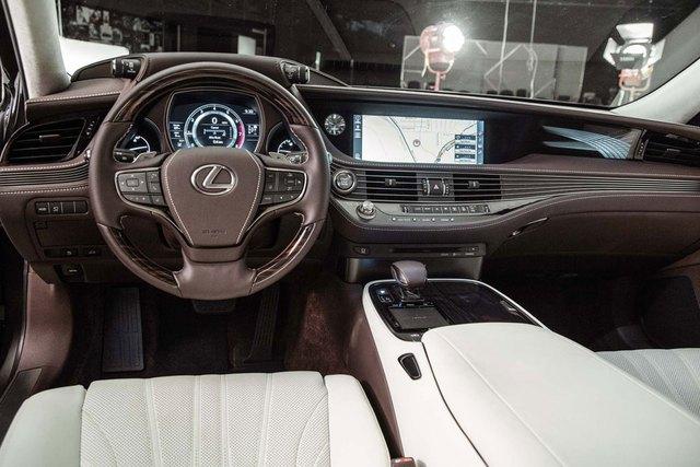 Cận cảnh vẻ đẹp xuất sắc của Lexus LS 2018 ngoài đời thực - Ảnh 13.