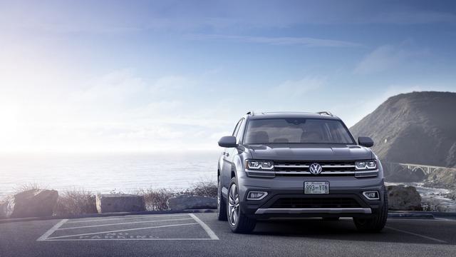 Volkswagen Atlas 2018 cạnh tranh với Mazda CX-9 bằng giá khởi điểm 30.000 USD - Ảnh 1.