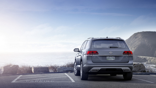 Volkswagen Atlas 2018 cạnh tranh với Mazda CX-9 bằng giá khởi điểm 30.000 USD - Ảnh 2.