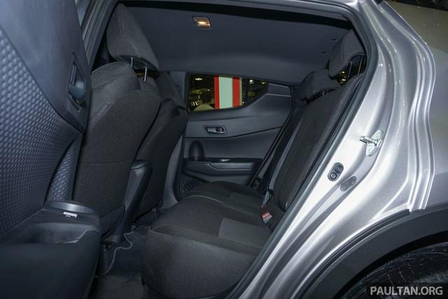 Crossover cỡ nhỏ Toyota C-HR ra mắt Đông Nam Á - Ảnh 8.