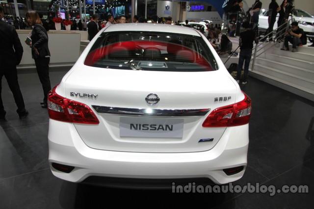 Nissan Sylphy 2016 bị tai nạn sau 10 phút rời đại lý gây xôn xao - Ảnh 4.