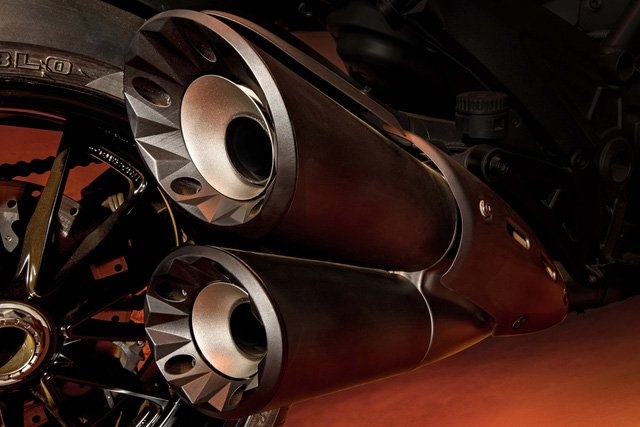 Ducati Diavel Diesel - Mô tô mang phong cách hậu Khải huyền - Ảnh 8.