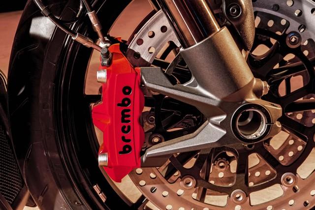 Ducati Diavel Diesel - Mô tô mang phong cách hậu Khải huyền - Ảnh 9.