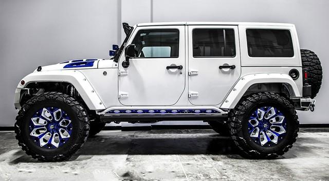 Jeep Wrangler độ theo phong cách Star Wars đầy ấn tượng - Ảnh 2.