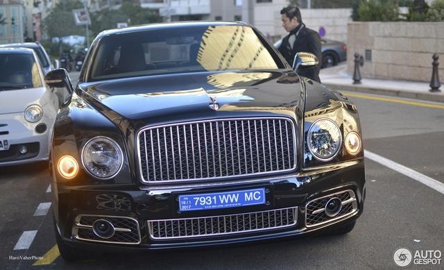 Bắt gặp Bentley Mulsanne Speed First Edition 2016 sang chảnh trên đường phố - Ảnh 2.