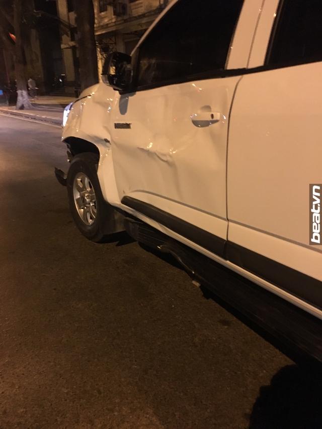 Hà Nội: Yamaha Exciter chở 3 đâm vào Chevrolet Colorado, 1 thanh niên tử vong - Ảnh 7.