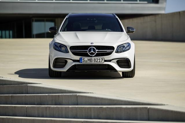 Mercedes-AMG E63 Wagon 2017 - Xe thực dụng cho tín đồ tốc độ - Ảnh 10.