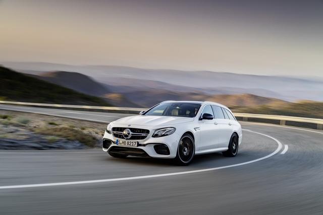 Mercedes-AMG E63 Wagon 2017 - Xe thực dụng cho tín đồ tốc độ - Ảnh 9.