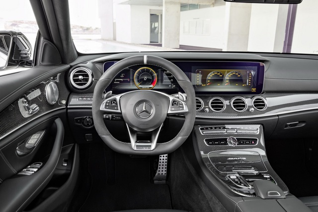 Mercedes-AMG E63 Wagon 2017 - Xe thực dụng cho tín đồ tốc độ - Ảnh 12.