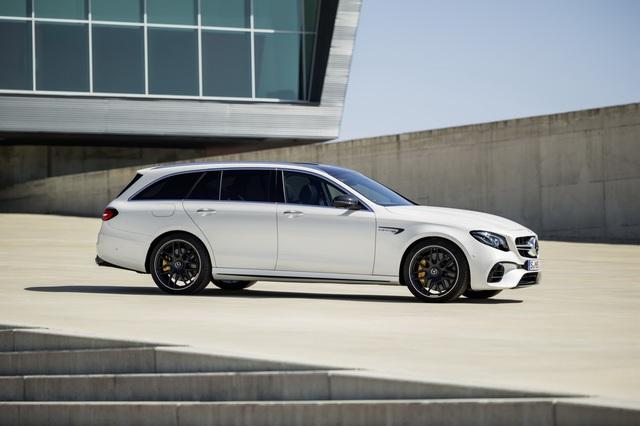 Mercedes-AMG E63 Wagon 2017 - Xe thực dụng cho tín đồ tốc độ - Ảnh 13.