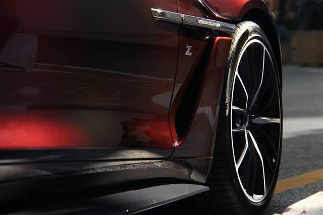 Chạm mặt tuyệt phẩm Aston Martin Vanquish Zagato tại thiên đường siêu xe - Ảnh 6.