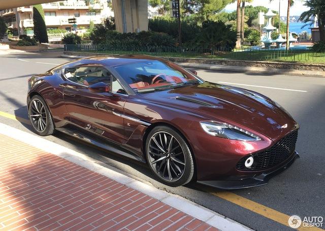 Chạm mặt tuyệt phẩm Aston Martin Vanquish Zagato tại thiên đường siêu xe - Ảnh 3.