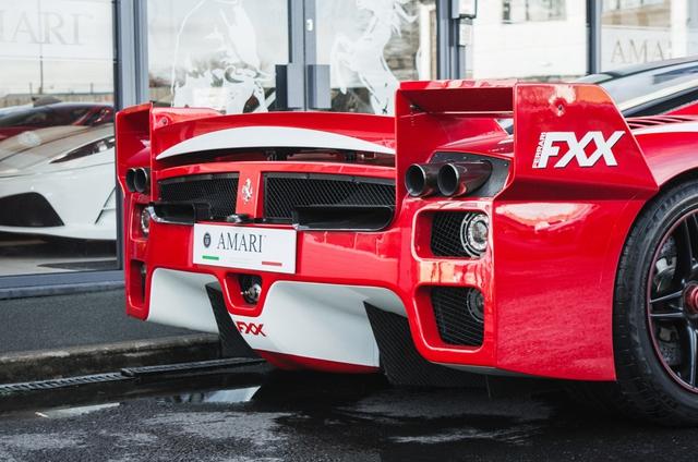 Siêu xe Ferrari FXX phiên bản đường phố duy nhất trên thế giới có giá khóc thét - Ảnh 11.