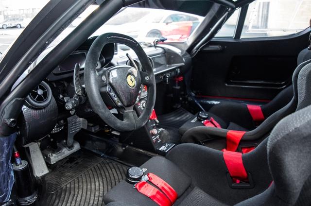 Siêu xe Ferrari FXX phiên bản đường phố duy nhất trên thế giới có giá khóc thét - Ảnh 12.