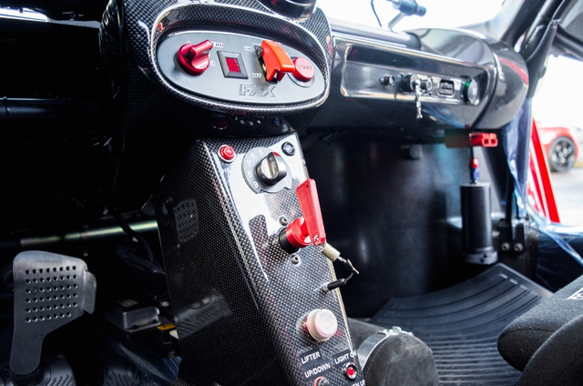Siêu xe Ferrari FXX phiên bản đường phố duy nhất trên thế giới có giá khóc thét - Ảnh 16.