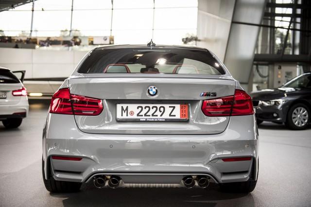 Cận cảnh BMW M3 sơn màu xám như xe Audi - Ảnh 6.
