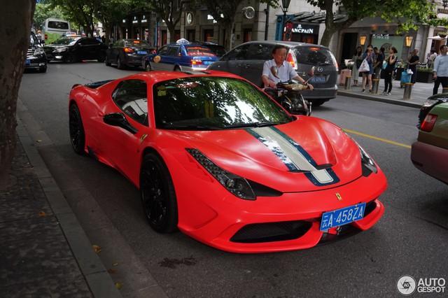 Bắt gặp siêu xe Ferrari 458 Speciale Aperta đeo biển chọn trên đường phố - Ảnh 1.