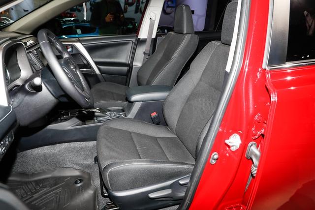 Phiên bản hầm hố nhất từ trước đến nay của Toyota RAV4  ra mắt - Ảnh 11.